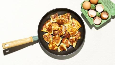 Spezzatino di frittata alle erbe con pancetta