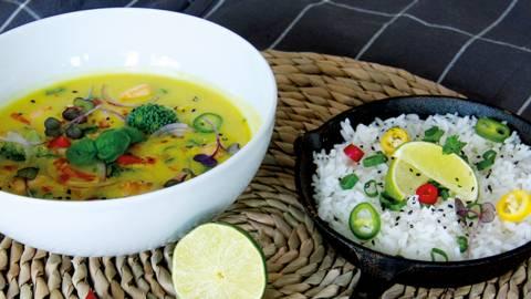 Curry vegano con latte di cocco e tofu