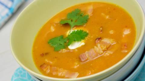 Zuppa speck, quinoa e patate dolci
