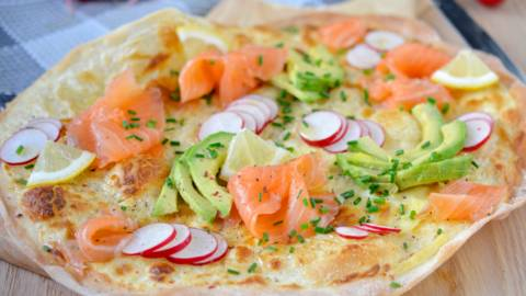 Torta salata al salmone affumicato