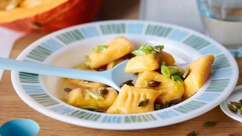 Gnocchi di zucca e patate con burro al cipollotto