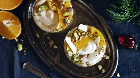 Crema allo yogurt e cioccolato bianco con arance