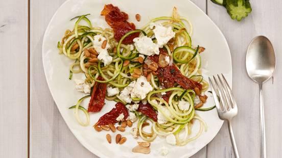 Spaghetti di zucchine con feta