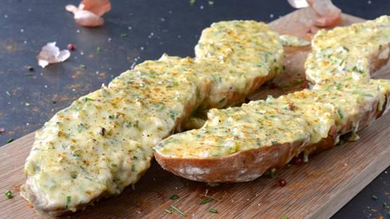 Baguette al formaggio cotta al forno