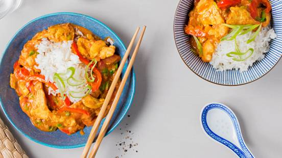 Pollo al curry alla bengalese con lemongrass e riso basmati