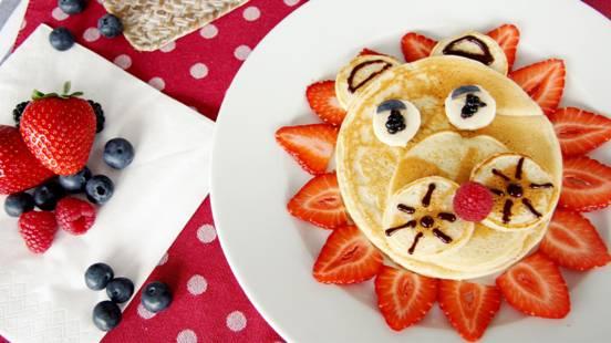 Pancake leone con frutta fresca