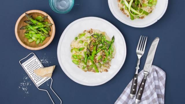 Risotto agli asparagi verdi con semi di girasole caramellati e grana padano