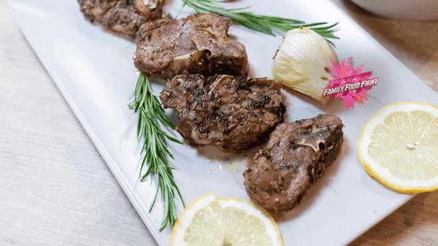 Family Food Fight: Lammkoteletts an Kräutermarinade