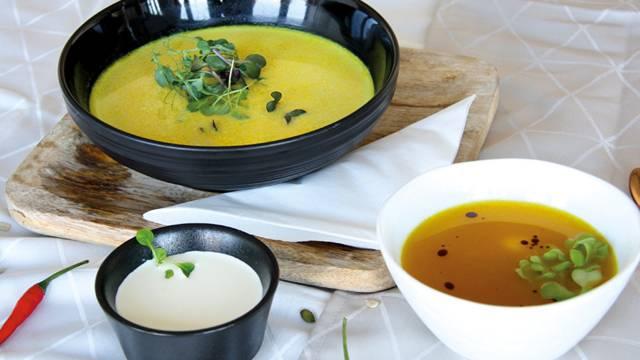 Vellutata autunnale di zucca al curry