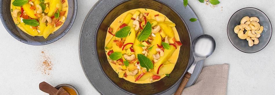 Curry di patate con mela e peperoncino